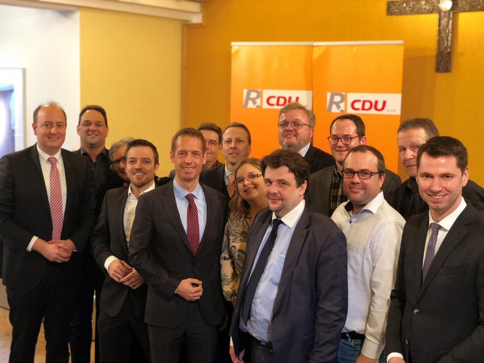Die Essener Delegierten mit Ulrich Beul und Dennis Radtke MdEP